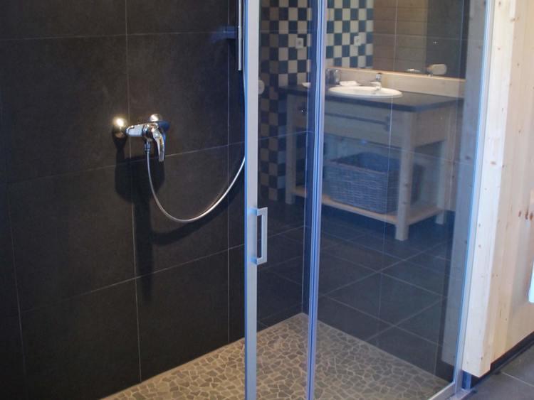 gîte avec douche à l'italienne dans le Vercors