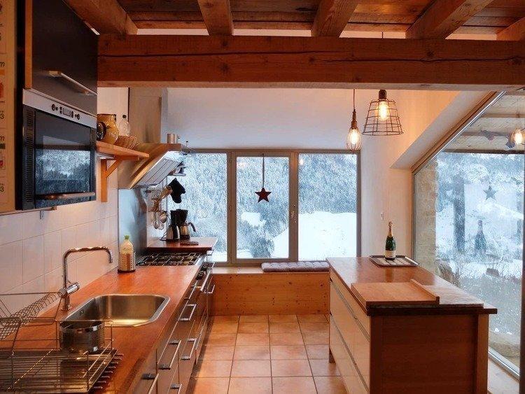 location de vacances avec cuisine lumineuse dans le Vercors