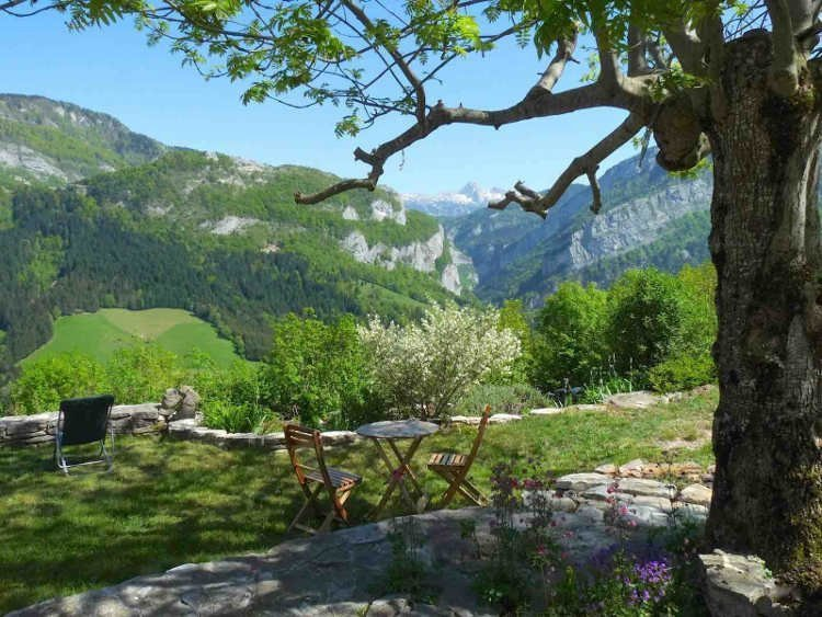Holiday rental with private garden in the Vercors