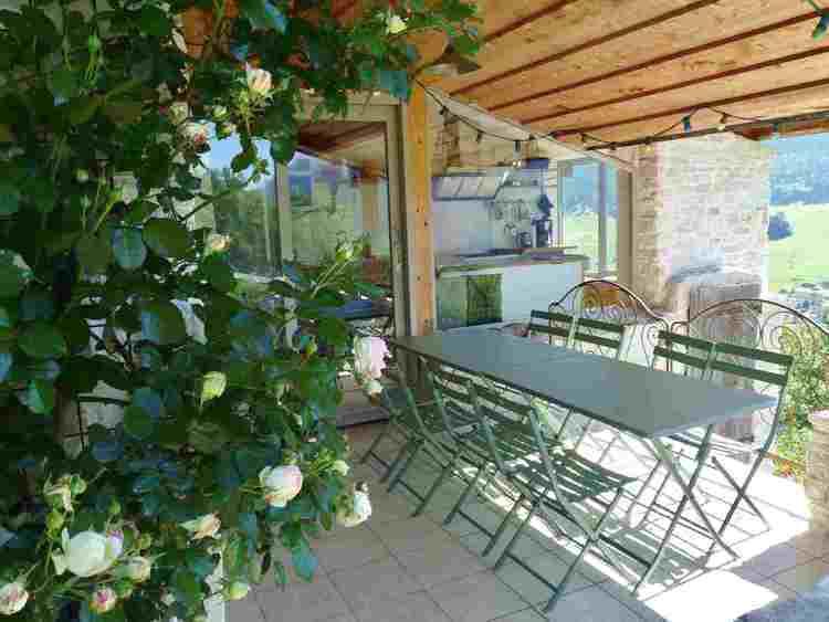 location de vacances avec terrasse couverte dans le Vercors